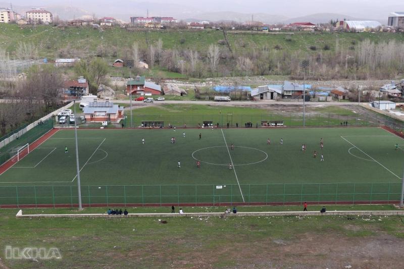 Cami cemaatinden kızlar arası futbol turnuvasına tepki