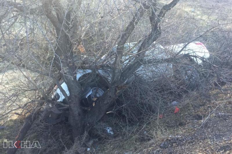 Elektrik Arızasına Giden Ekip Kaza Yaptı: Biri ağır 2 yaralı