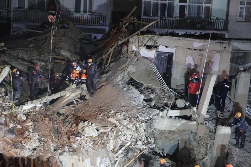 Elâzığ'da, deprem bölgesinde hırsızlık yapanlara yönelik operasyon düzenlendi