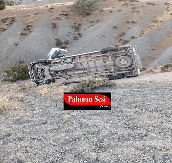 Freni Tutmayan Minibüs Devrildi: 1 Ağır 5 Yaralı