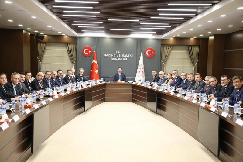 Hazine ve Maliye Bakanı Albayrak, sigortacılık sektörü temsilcileriyle bir araya geldi