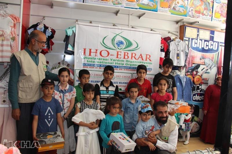 IHO-EBRAR Elazığ'daki yetimlere bayramlık giydirdi-VİDEO