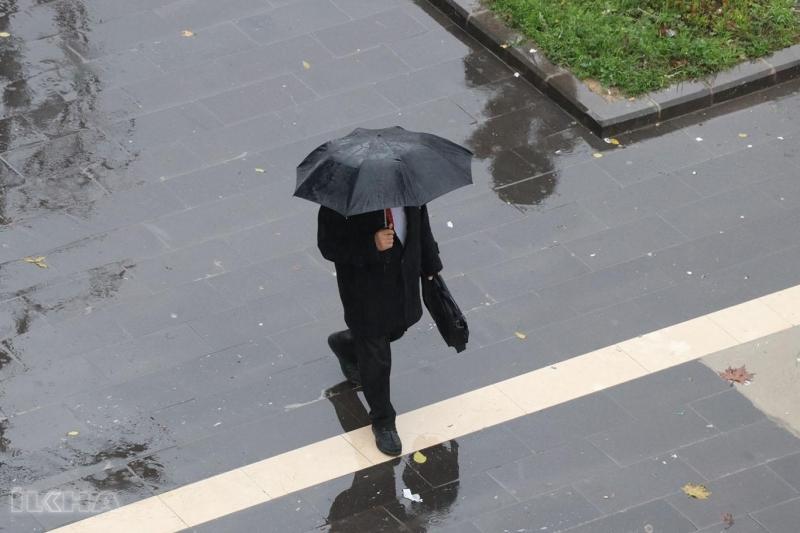 Meteorolojiden bazı iller için kuvvetli yağış uyarısı