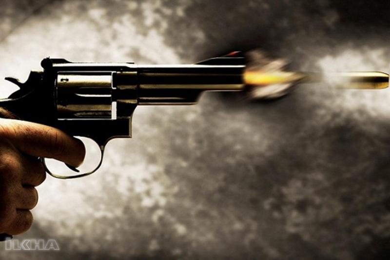 Palu`da Tartıştığı babasını silahla vurdu